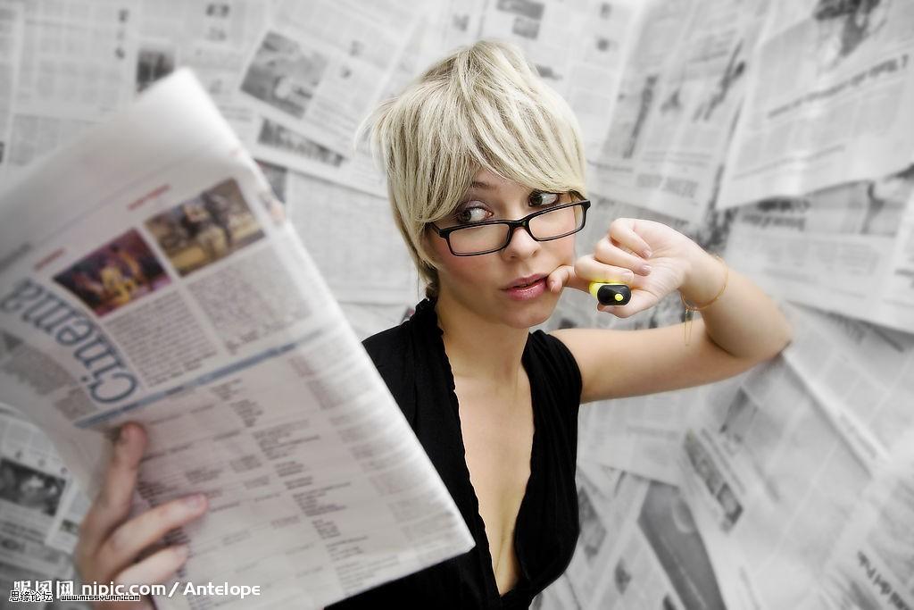 Photoshop给国外的美女提亮加美白教程