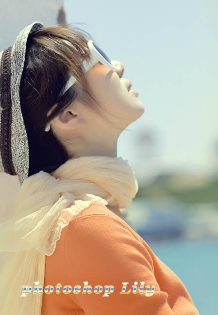 Photoshop调出橙色淡雅效果的外景美女照片
