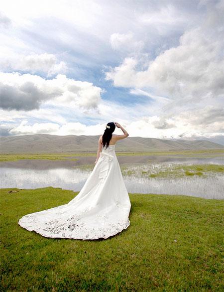 Photoshop制作金色大气的外景婚纱照片