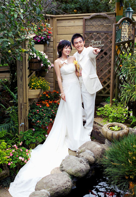 PS调色甜美色彩的园林婚纱照片后期处理教程