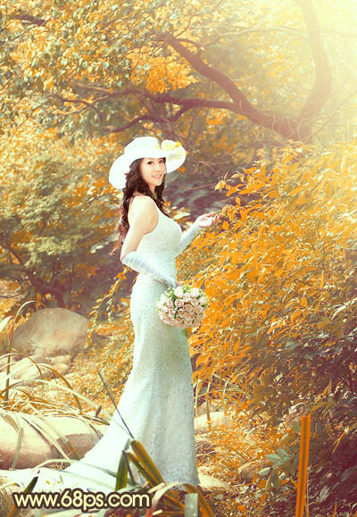 PS调出橙黄色效果的树林美女婚纱照片写真