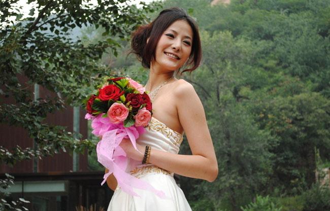 Photoshop制作青色唯美的漂亮新娘照片