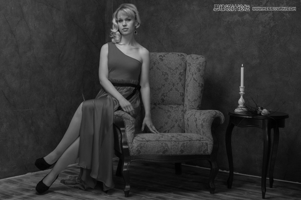 Photoshop制作高质量黑白效果的人像图片