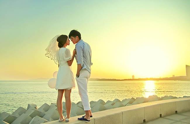 Photoshop青黄色海岸背光婚纱照片处理教程