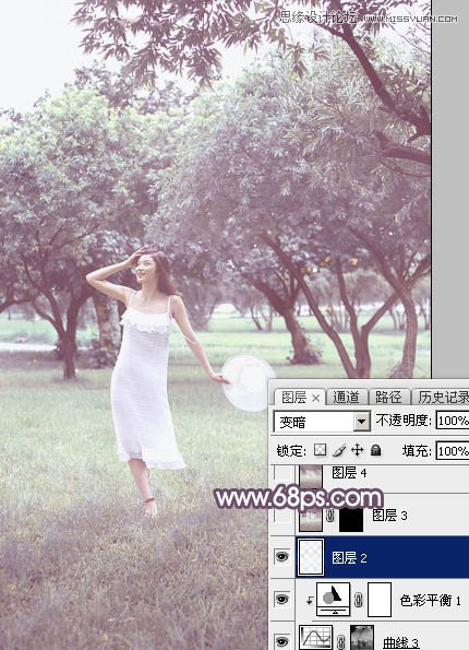 PS调出梦幻紫色效果的外景林中女孩照片处理